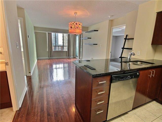 Condo Apartment at 335 Rathburn Rd W, Unit 607, Mississauga, Ontario. Image 10