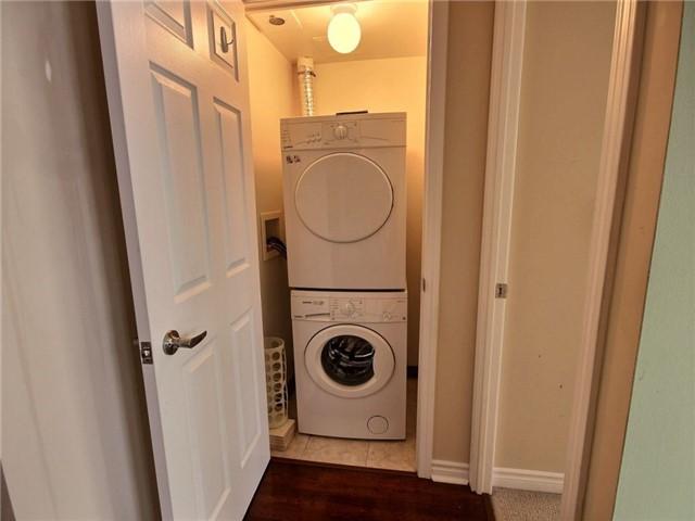 Condo Apartment at 335 Rathburn Rd W, Unit 607, Mississauga, Ontario. Image 4