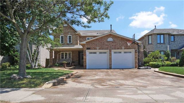 Detached at 368 Carrier Lane, Oakville, Ontario. Image 1