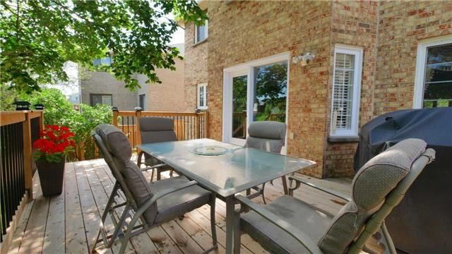 Detached at 368 Carrier Lane, Oakville, Ontario. Image 9