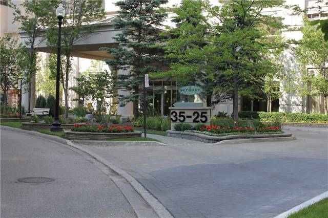 Condo Apartment at 35 Kingsbridge Garden Circ, Unit 606, Mississauga, Ontario. Image 1