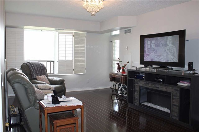 Condo Apartment at 35 Kingsbridge Garden Circ, Unit 606, Mississauga, Ontario. Image 15