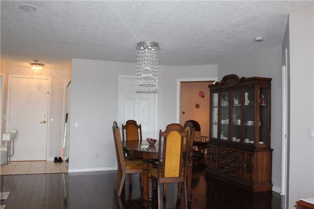 Condo Apartment at 35 Kingsbridge Garden Circ, Unit 606, Mississauga, Ontario. Image 3