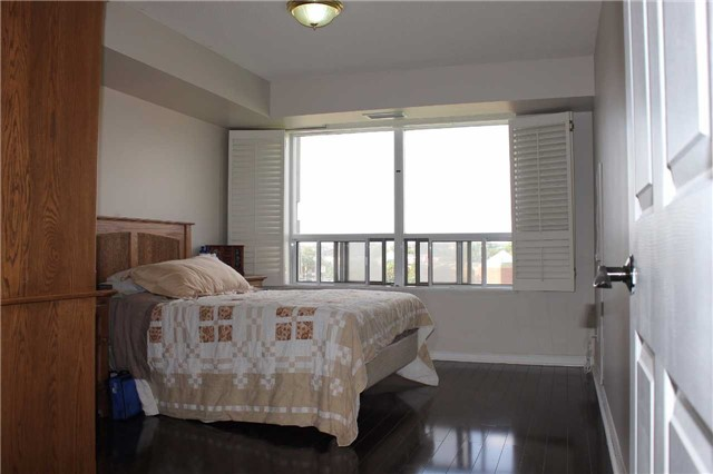 Condo Apartment at 35 Kingsbridge Garden Circ, Unit 606, Mississauga, Ontario. Image 5
