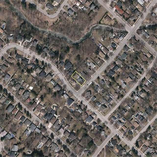 Detached at 359 Atwater Ave, Mississauga, Ontario. Image 6