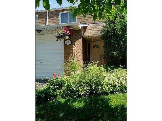 Condo Townhouse at 453 Woodview Rd, Unit 6, Burlington, Ontario. Image 1