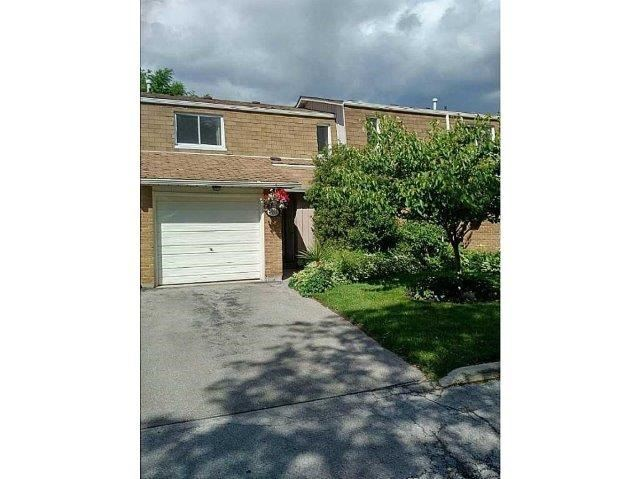 Condo Townhouse at 453 Woodview Rd, Unit 6, Burlington, Ontario. Image 12