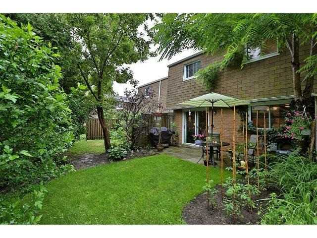 Condo Townhouse at 453 Woodview Rd, Unit 6, Burlington, Ontario. Image 15