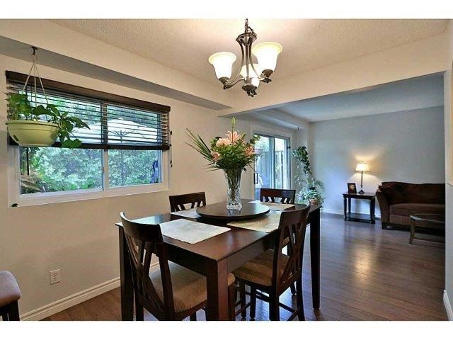 Condo Townhouse at 453 Woodview Rd, Unit 6, Burlington, Ontario. Image 3