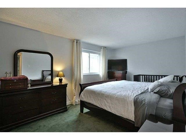 Condo Townhouse at 453 Woodview Rd, Unit 6, Burlington, Ontario. Image 7