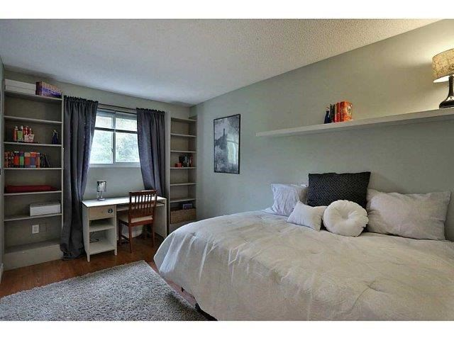 Condo Townhouse at 453 Woodview Rd, Unit 6, Burlington, Ontario. Image 10