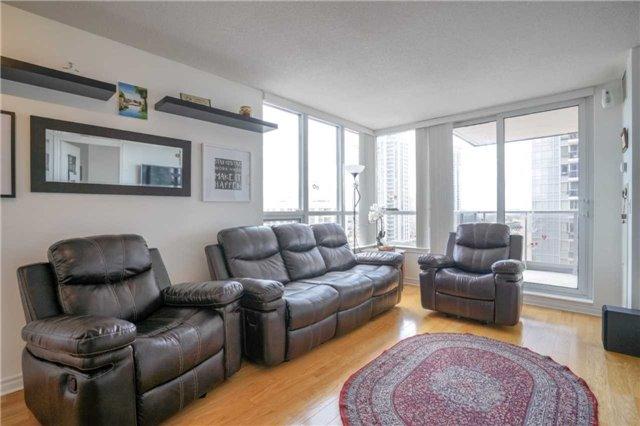 Condo Apartment at 4080 Living Arts Dr, Unit 1805, Mississauga, Ontario. Image 15
