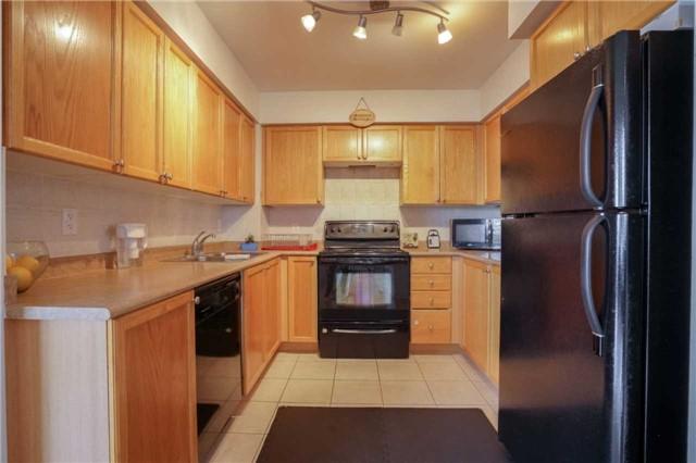 Condo Apartment at 4080 Living Arts Dr, Unit 1805, Mississauga, Ontario. Image 17