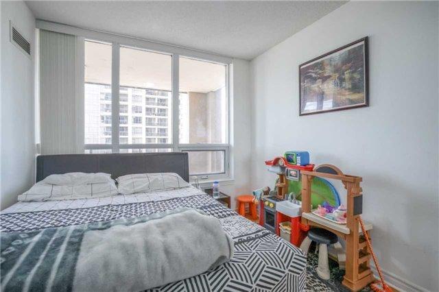 Condo Apartment at 4080 Living Arts Dr, Unit 1805, Mississauga, Ontario. Image 20