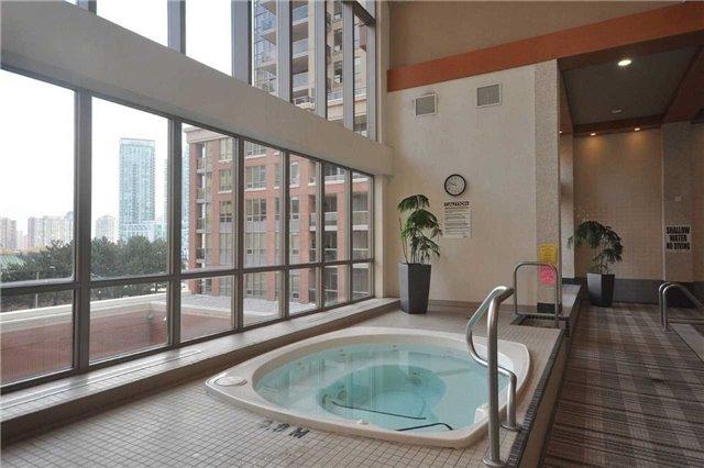 Condo Apartment at 4080 Living Arts Dr, Unit 1805, Mississauga, Ontario. Image 13