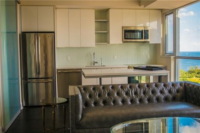 Condo Apartment at 2175 Lake Shore Blvd W, Unit 1711, Toronto, Ontario. Image 11