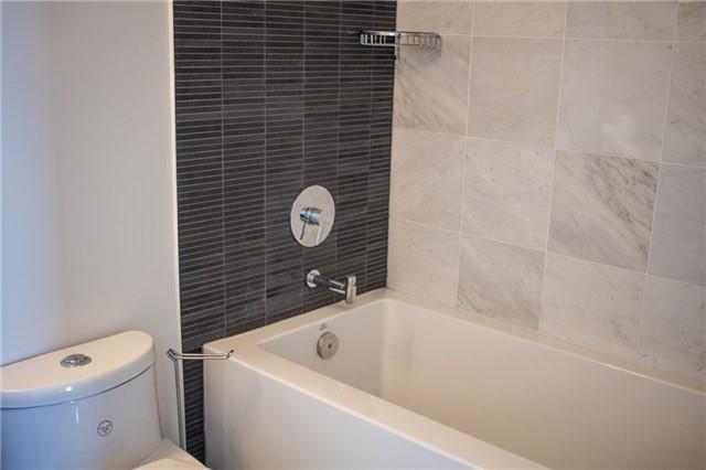 Condo Apartment at 2175 Lake Shore Blvd W, Unit 1711, Toronto, Ontario. Image 3