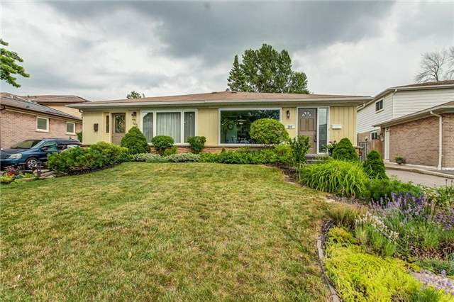 Semi-detached at 566 Tedwyn Dr, Mississauga, Ontario. Image 14