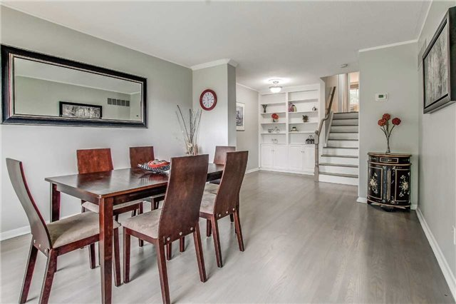 Semi-detached at 566 Tedwyn Dr, Mississauga, Ontario. Image 17