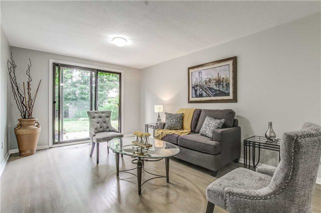 Semi-detached at 566 Tedwyn Dr, Mississauga, Ontario. Image 20