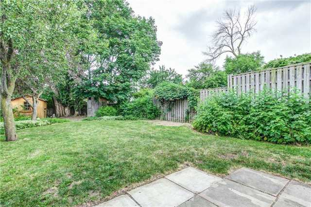 Semi-detached at 566 Tedwyn Dr, Mississauga, Ontario. Image 10