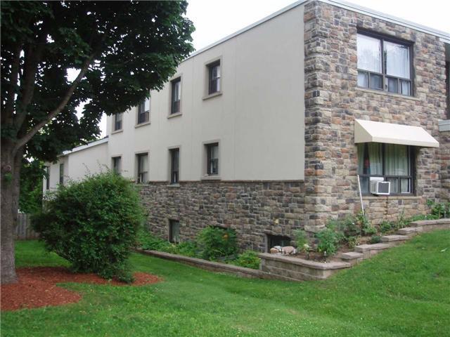 Condo Apartment at 65 First St, Unit B3, Orangeville, Ontario. Image 3