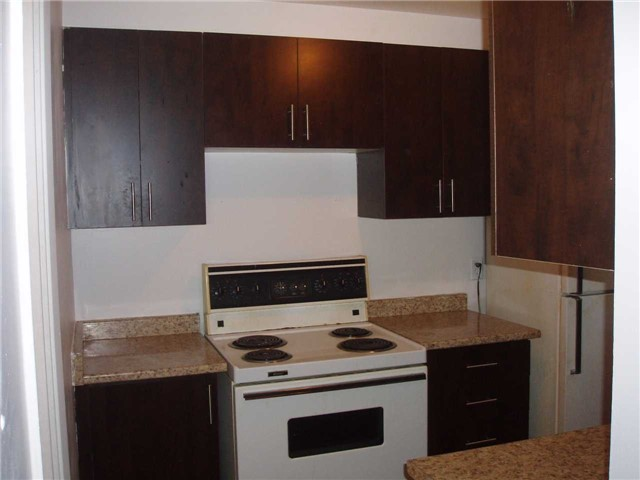 Condo Apartment at 65 First St, Unit B3, Orangeville, Ontario. Image 4