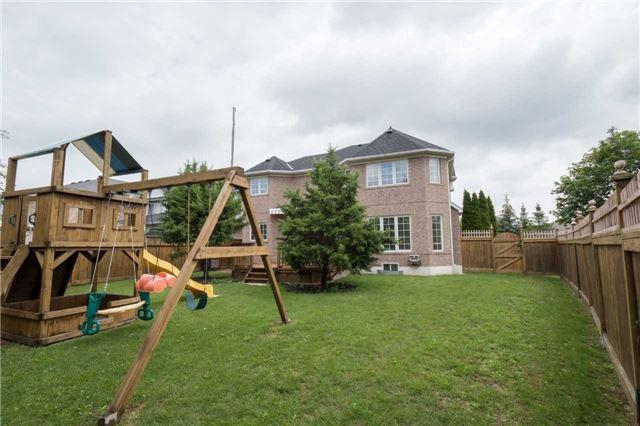Detached at 2 Yukon Lane, Brampton, Ontario. Image 13