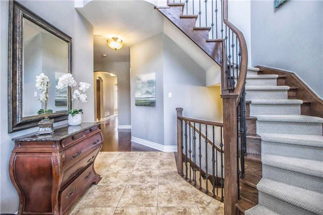Detached at 3111 Seabright Dr, Mississauga, Ontario. Image 12