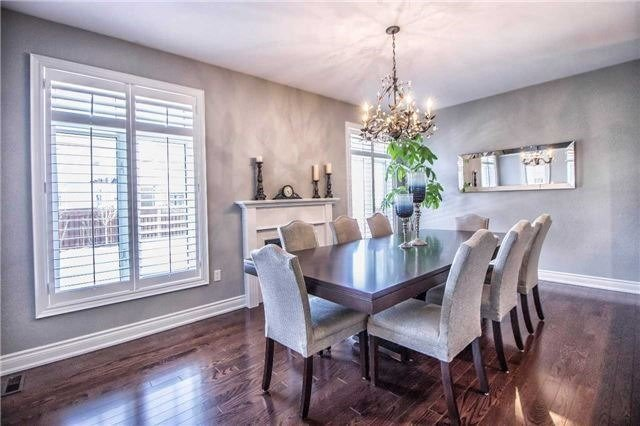 Detached at 3111 Seabright Dr, Mississauga, Ontario. Image 15