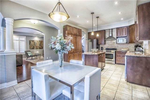 Detached at 3111 Seabright Dr, Mississauga, Ontario. Image 16