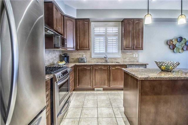Detached at 3111 Seabright Dr, Mississauga, Ontario. Image 17
