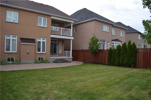 Detached at 3111 Seabright Dr, Mississauga, Ontario. Image 10
