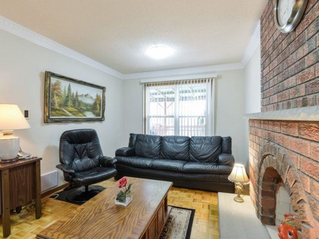 Detached at 5289 Middlebury Dr, Mississauga, Ontario. Image 16