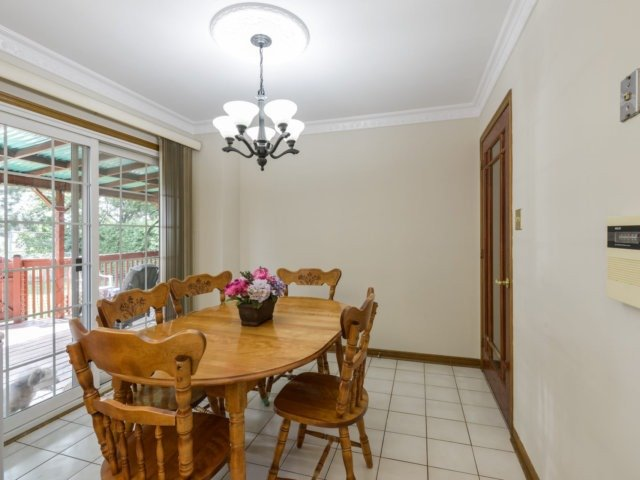 Detached at 5289 Middlebury Dr, Mississauga, Ontario. Image 18