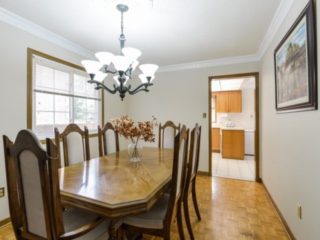Detached at 5289 Middlebury Dr, Mississauga, Ontario. Image 19