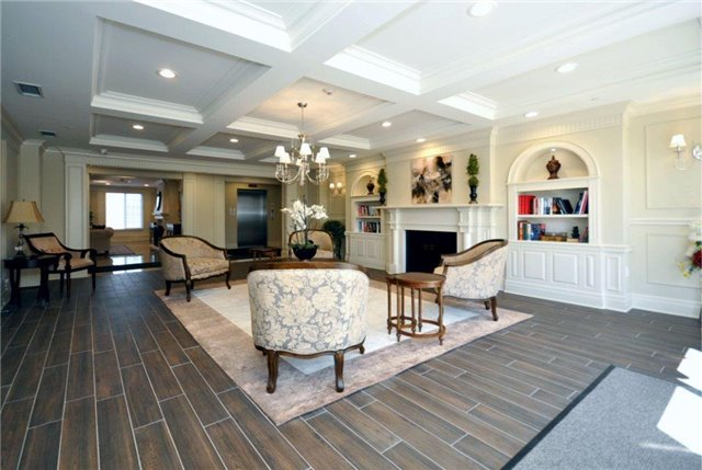 Condo Apartment at 2300 Upper Middle Rd W, Unit 125, Oakville, Ontario. Image 2