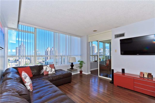 Condo Apartment at 400 Webb Dr, Unit 2406, Mississauga, Ontario. Image 10
