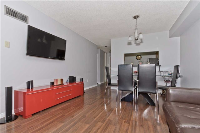 Condo Apartment at 400 Webb Dr, Unit 2406, Mississauga, Ontario. Image 13