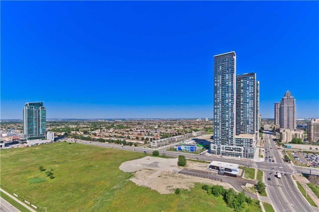 Condo Apartment at 400 Webb Dr, Unit 2406, Mississauga, Ontario. Image 7