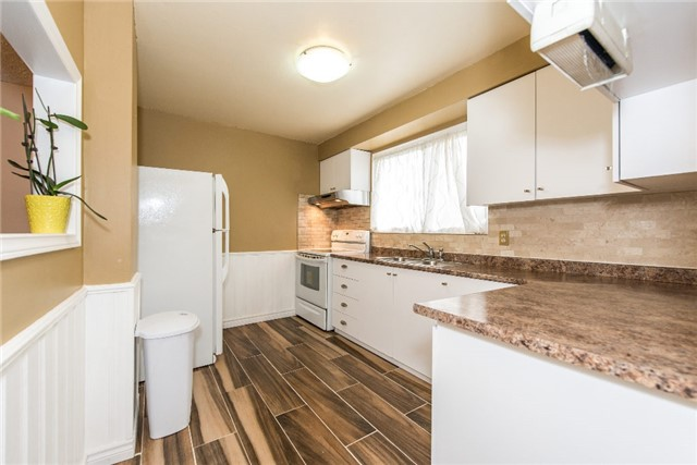 Condo Townhouse at 830 Westlock Rd, Unit 26A, Mississauga, Ontario. Image 16