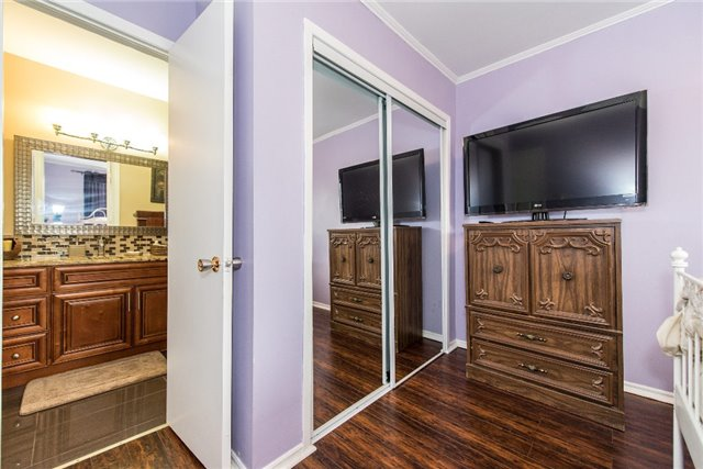 Condo Townhouse at 830 Westlock Rd, Unit 26A, Mississauga, Ontario. Image 5