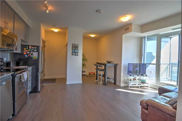 Condo Apartment at 4099 Brickstone Mews, Unit 2109, Mississauga, Ontario. Image 18