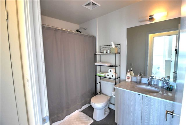 Condo Apartment at 4099 Brickstone Mews, Unit 2109, Mississauga, Ontario. Image 2