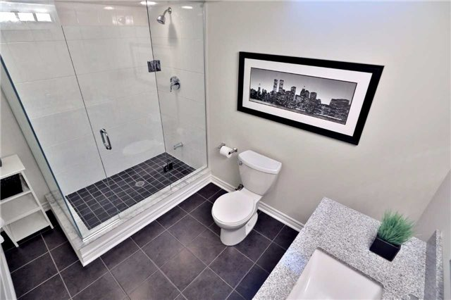 Detached at 2162 Meadowland Dr, Oakville, Ontario. Image 11