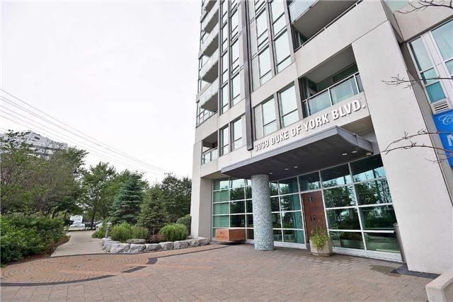 Condo Apartment at 3939 Duke Of York Blvd, Unit 2105, Mississauga, Ontario. Image 1