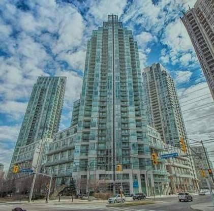 Condo Apartment at 3939 Duke Of York Blvd, Unit 2105, Mississauga, Ontario. Image 4