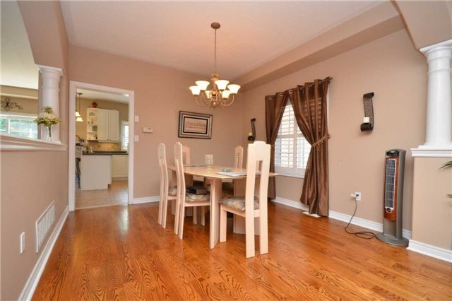Detached at 144 Bonistel Cres W, Brampton, Ontario. Image 19