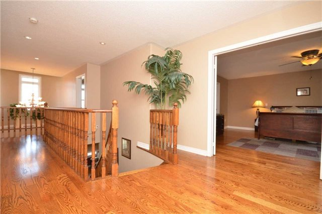 Detached at 144 Bonistel Cres W, Brampton, Ontario. Image 11