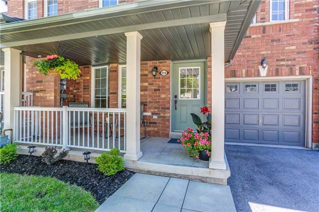 Townhouse at 2318 Saddlecreek Cres, Oakville, Ontario. Image 12